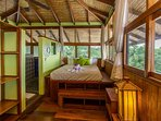 Private Top level bedroom in the treetops