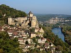 Castelnaud with Le Rouquet in the foreground and Beynac in the distance.
