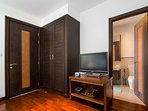 Twin Bedroom / Ensuite
