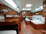 Very comfortable boat with ample space inside/outside; fantastic and romantic harbour  lights.