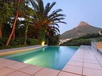 Main house swimming pool with view of Lions head