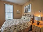 The queen-sized bed in the master bedroom will ensure you sleep like royalty throughout your stay.