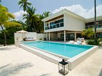 4 Bedroom Villa Residences - Relax and indulge poolside