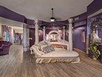 Master bedroom- King bed