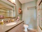 Bathroom,Indoors,Spa,Room,Dining Room