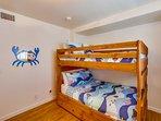 Bedroom,Furniture,Bed,Indoors,Room