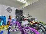 Bicycle,Lighting,Shop,Dining Room,Indoors