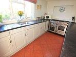 Georgeham Holiday Cottages Perrymans Kitchen Units