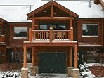 Front exterior of Slopeside 204