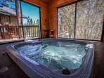 Enclosed Outdoor Private Spa Room