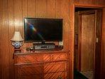 Bedroom 4: TV