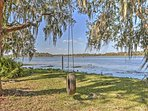 You'll love the waterfront location, with direct lake access!