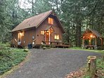 Mt. Baker Lodging - Cabin #67 - Private 2-story cabin with a private hot tub!