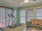 Stay in shape while on vacation with the exercise equipment!