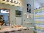 2nd bath with tub shower.