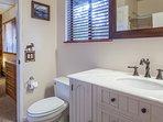 Master Bathroom; Full En-suite bathroom