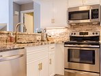 Fully Equipped Kitchen, Granite Counters, Stainless Appliances.