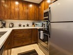 Gourmet Kitchen/ Fully Equipped/ Stainless Appliances