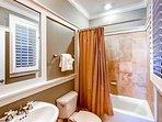 1st Floor Queen Suites Private Bath
