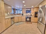 Large Fully Equipped Kitchen