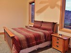 Master bedroom suite with huge bathroom, fireplace, and 32' TV/Blue Ray DVD - Park City Tranquility - Park City