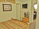 Bedroom #4 with queen bed in Snowblaze 309 - Park City