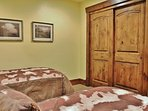 2nd Bedrom of Badgerland - Park City. Fourth bedroom with two twin beds