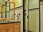 Master Bedroom 2 Bathroom with shower in Lookout 22 - Deer Valley