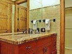 Master Bedroom 3 Bathroom with combo tub/shower in Lookout 22 - Deer Valley