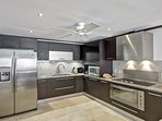 Coral-Cove7-Kitchen.jpg