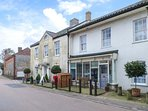 VERNON VIEW, all ground floor, pub opposite, ideal for walkers, Overstrand, Ref