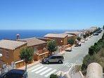 Appartement disposés le long de la route (calme) et face à la mer