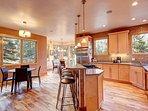 Buffalo Mountain Vista Kitchen and Dining Room Frisco Lodging Va