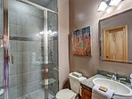 Buffalo Mountain Vista Main floor Bathroom Frisco Lodging Vacati