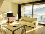 Appartamento due camere, tre bagni in residence con piscina e bellissima vista