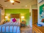 Catrina - En-suite queen bedroom