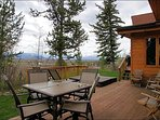 Outdoor Dining & Hot Tub