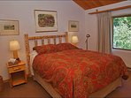 Spacious Master Bedroom - Queen Bed, Vaulted Ceilings.