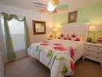 Bedroom,Indoors,Room,Dresser,Furniture