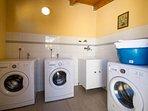 la lavanderia a disposizione degli ospiti