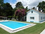 A Lovely Country House with Large swimming pool, spacious garden, sleeps 8 +