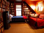 Library with 2 twin beds in Carriage House