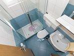 SA7(4): bathroom with toilet