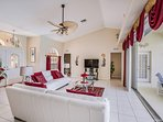 Living area with high quality furnishings!