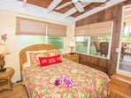 Wailua Riverside Tree Top Cottage
