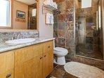 Master en-suite bathroom #1/ shower