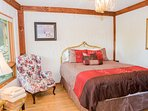 Bedroom #5 – Lower Terrace Level – Guest Room – Queen Bed bed – Shared Full Bath
