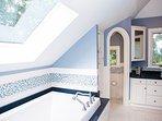 Master bath (Master and Bonus Room top level share)