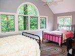 Bedroom 3 – 2 Queens (top level)