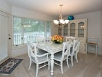 Dining room, beautiful table with six chairs